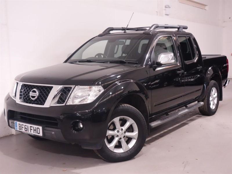 used Nissan Navara DCI TEKNA 4X4 DCB - NO VAT - REVERSE CAMERA - BLUETOOH - LEATHER  in surrey