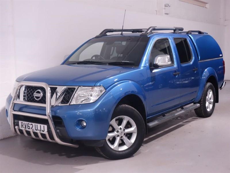 used Nissan Navara DCI TEKNA 4X4 SHR DCB - NO VAT - LOW MILES - REVESE CAMERA - BLUETOOTH  in surrey