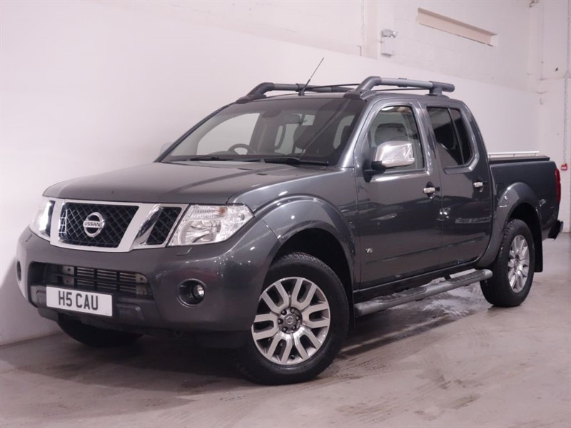 used Nissan Navara OUTLAW DCI 4X4 DCB | NO VAT | SATNAV | RCAM | BOSE SOUND | PRIVATE PLATE in surrey