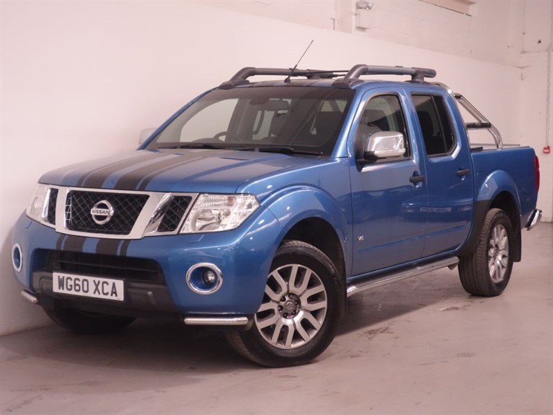 used Nissan Navara OUTLAW DCI 4X4 DCB - NO VAT - REV CAMERA - SAT NAV - ROLL A SHUTTER - BOSE in surrey