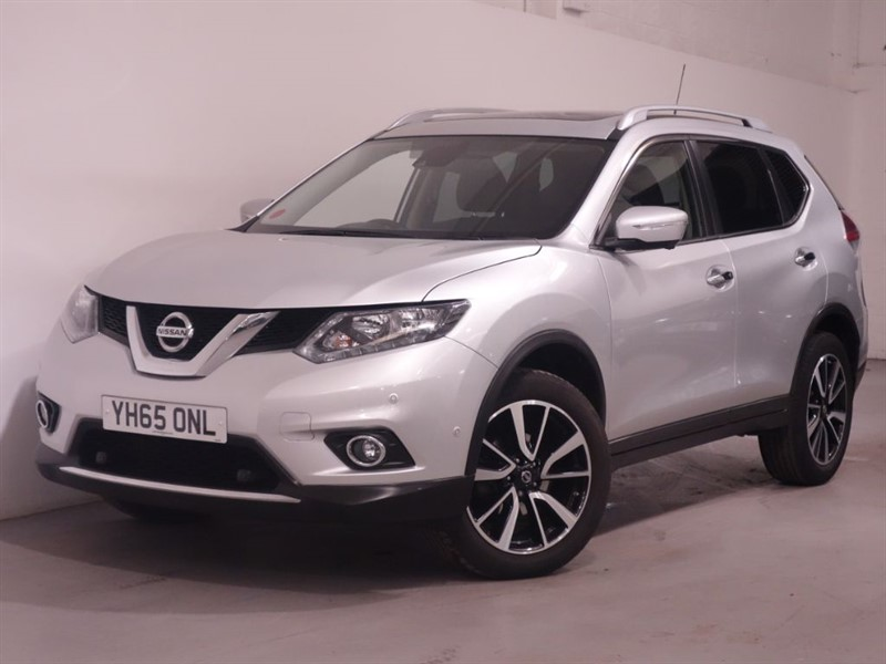 used Nissan X-Trail DCI N-TEC XTRONIC - LOW MILES - REVERSE CAMERA - SAT NAV - BLUETOOTH - PAN  in surrey