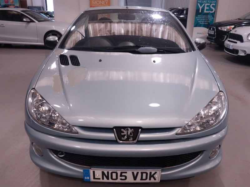 used Peugeot 206 COUPE CABRIOLET S - LOW MILES - FULL SERVICE HISTORY - NEW MOT  in surrey