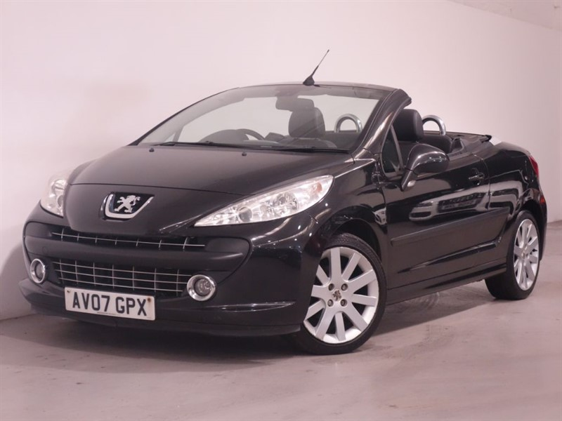 used Peugeot 207 GT COUPE CABRIOLET - LEATHER - SERVICE HISTORY - LONG MOT in surrey