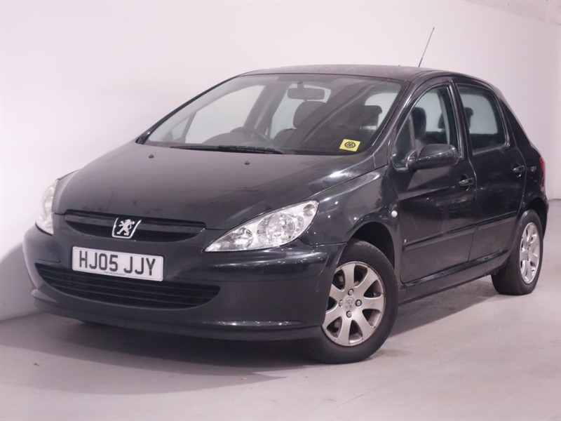 used Peugeot 307 S - SPARES AND REPAIR  in surrey