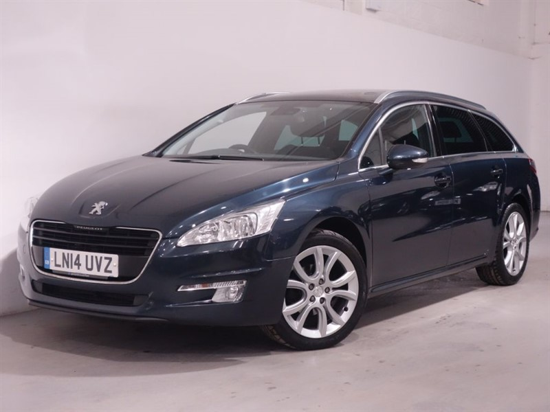 used Peugeot 508 E-HDI SW ACTIVE NAVIGATION VERSION - BLUETOOTH - PAN ROOF - PARKING SENSORS in surrey