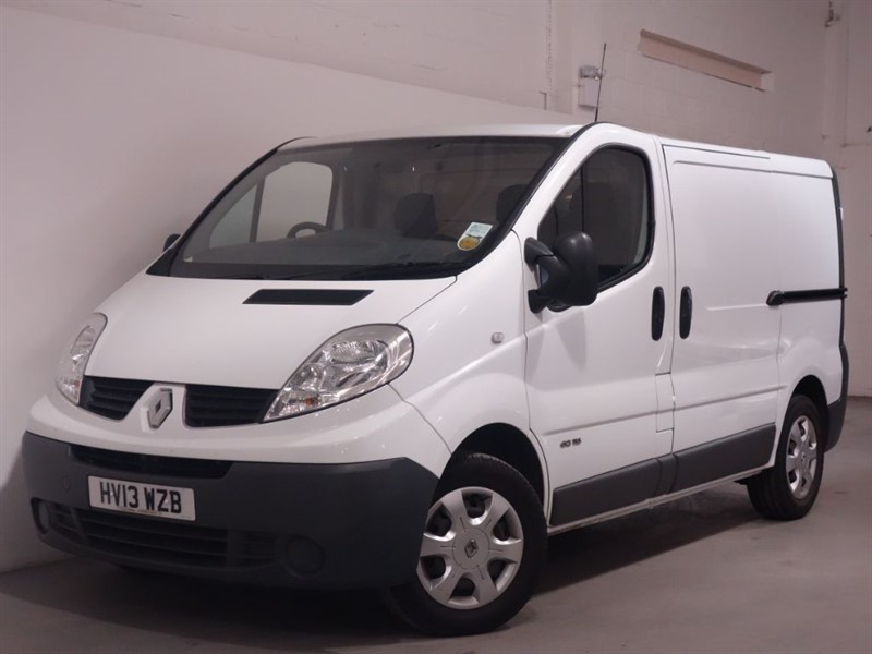 used Renault Trafic SL29 DCI S/R P/V - SAT NAV - NO VAT - LOW MILES  in surrey