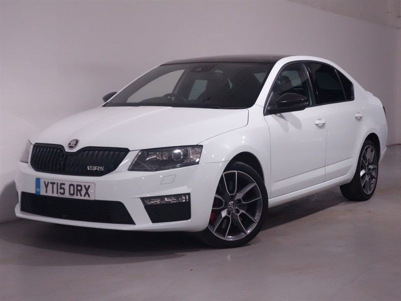 used Skoda Octavia VRS TDI CR DSG - SAT NAV - BLUETOOTH - STUNNING EXAMPLE - LOW MILES in surrey