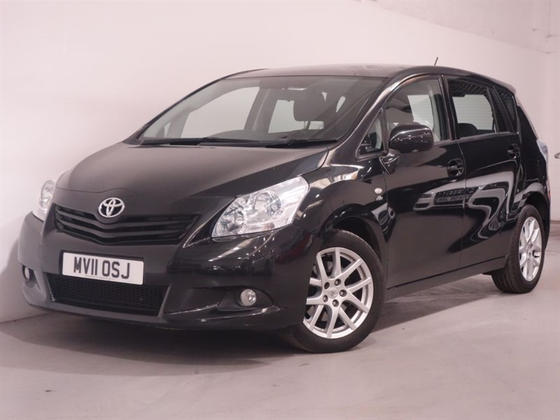 used Toyota Verso TR D-CAT-PANORAMIC GLASS SUNROOF-BLURTOOTH-FULL TOYOTA SERVICE HISTORY in surrey