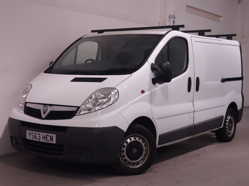 used Vauxhall Vivaro 2700 CDTI - - BLUETOOTH - LOW MILES - 3 SEATS - AIRCON in surrey
