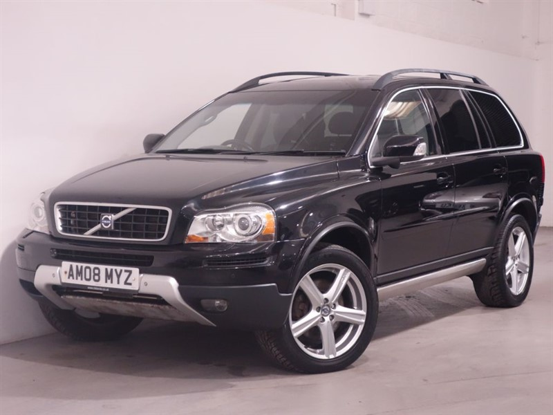 used Volvo XC90 D5 SE SPORT AWD - SAT NAV - BLUETOOH - LOW MILES - LEATHER INTERIOR in surrey