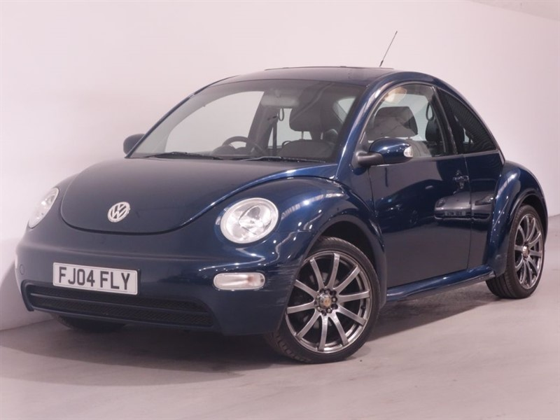 used VW Beetle 8V - SUNROOF - TIMING BELT REPLACED - LEATHER INTERIOR - BLUETOOTH in surrey