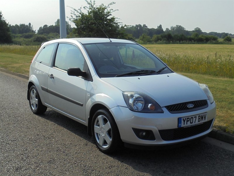 used Ford Fiesta ZETEC 16V in march-cambridgeshire