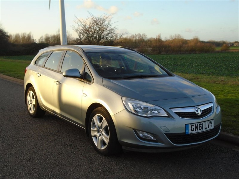 used Vauxhall Astra EXCLUSIV CDTI ECOFLEX in march-cambridgeshire