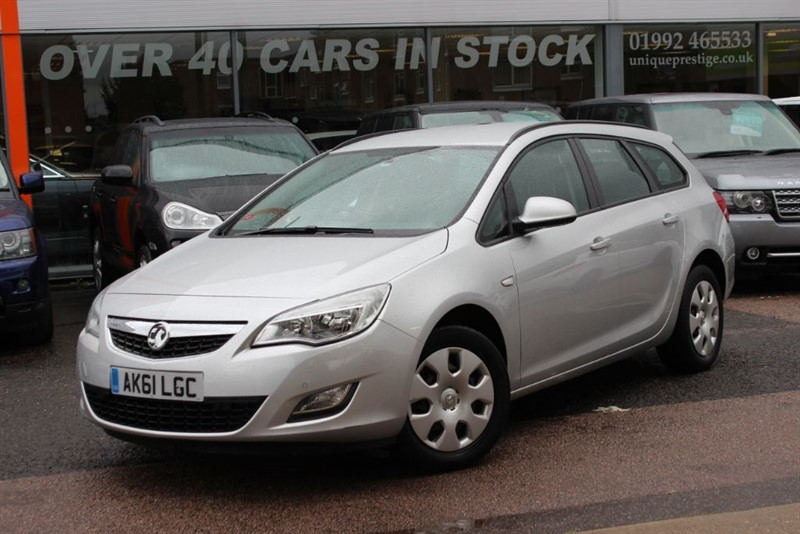 used Vauxhall Astra EXCLUSIV in hertfordshire