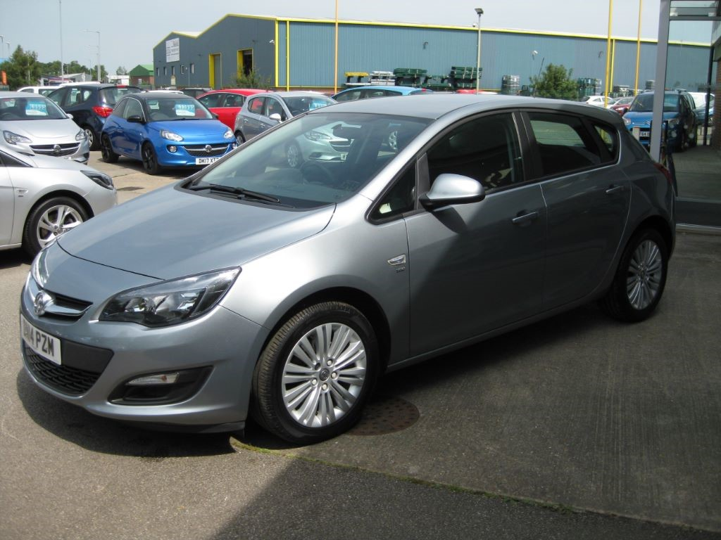 used silver lake metallic vauxhall astra for sale lincolnshire. Black Bedroom Furniture Sets. Home Design Ideas