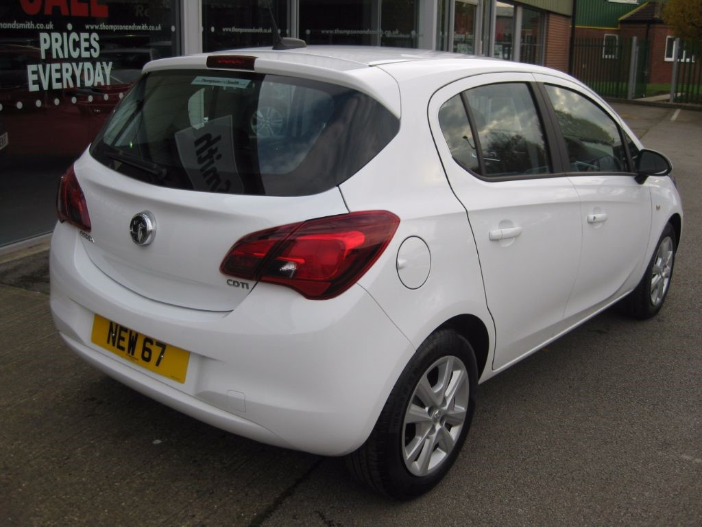 used olympic white vauxhall corsa for sale lincolnshire. Black Bedroom Furniture Sets. Home Design Ideas
