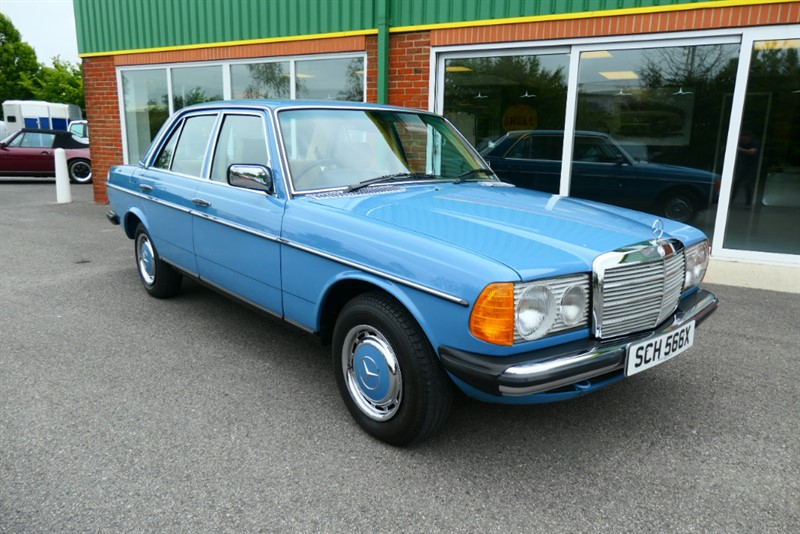 used Mercedes 200 W123 200 4dr in louth