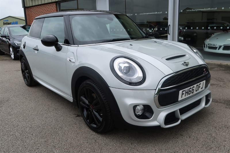 used MINI Cooper S John Cooper Works 2.0i 3dr in louth