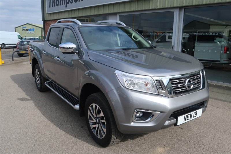 used Nissan Navara NP300 Tekna 2.3 dCi 190PS 4x4 Doublecab Auto in louth
