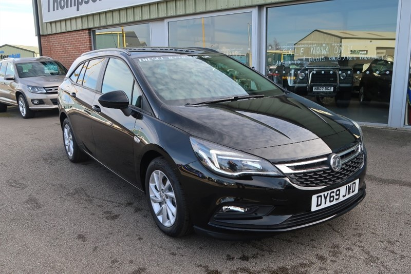 used Vauxhall Astra Sports Tourer Tech Line NAV 1.6CDTi (110PS) SAVE £8,145 in louth