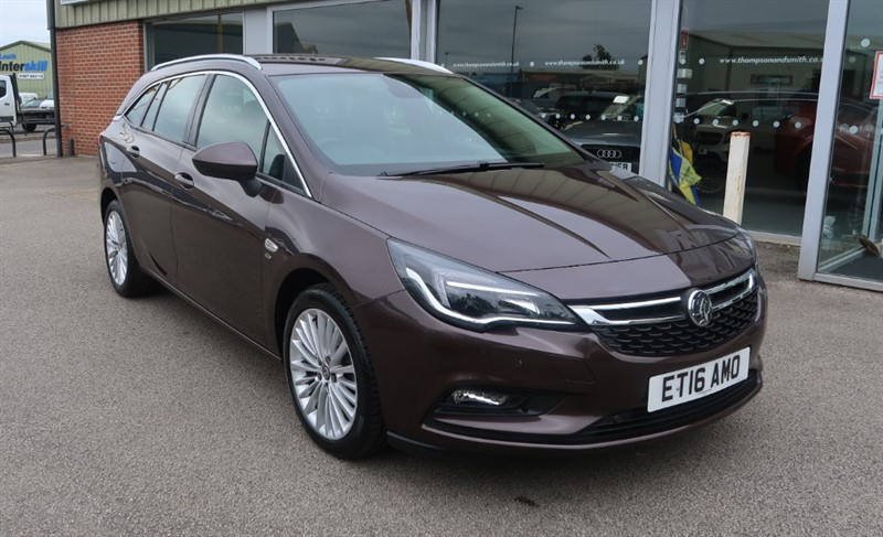 used Vauxhall Astra Sports Tourer Elite 1.4T (150PS) NAV Estate Auto in louth
