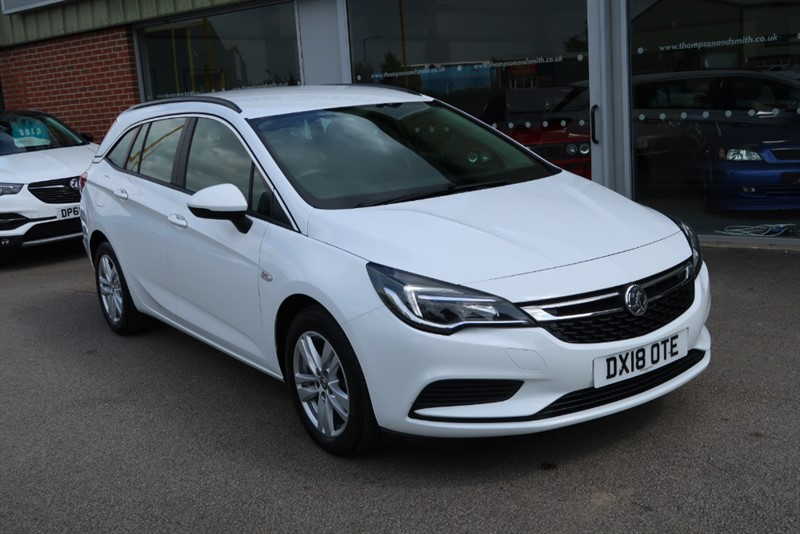 used Vauxhall Astra Tech Line NAV 1.6CDTi 110PS 5dr Estate start/stop in louth