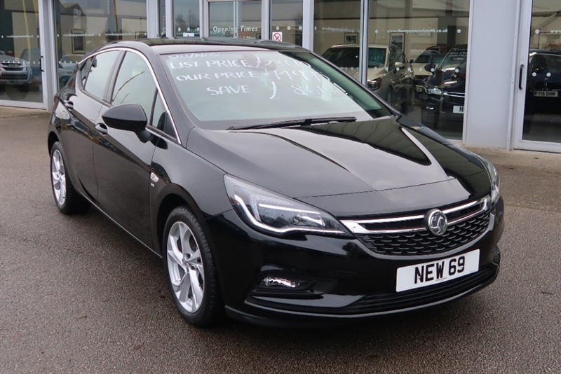 used Vauxhall Astra SRi NAV 1.4i Turbo (150PS) 5dr SAVE £8,615 & £500 Deposit Allowance in louth