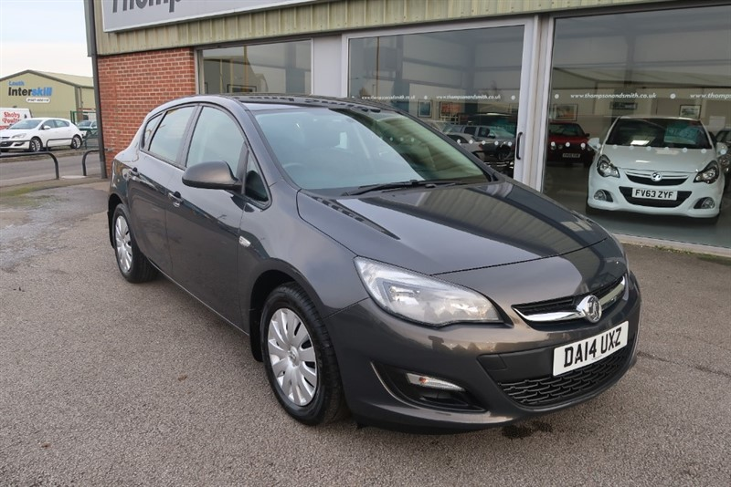 used Vauxhall Astra Exclusiv 1.7 CDTi (130PS) 5dr ONE OWNER in louth