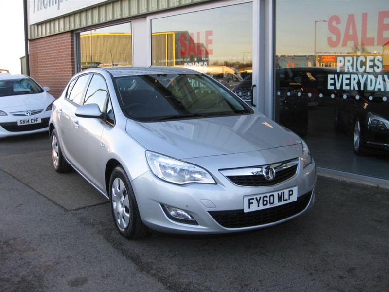 used Vauxhall Astra Exclusiv 1.6i 16v 5dr Auto Low Mileage in louth