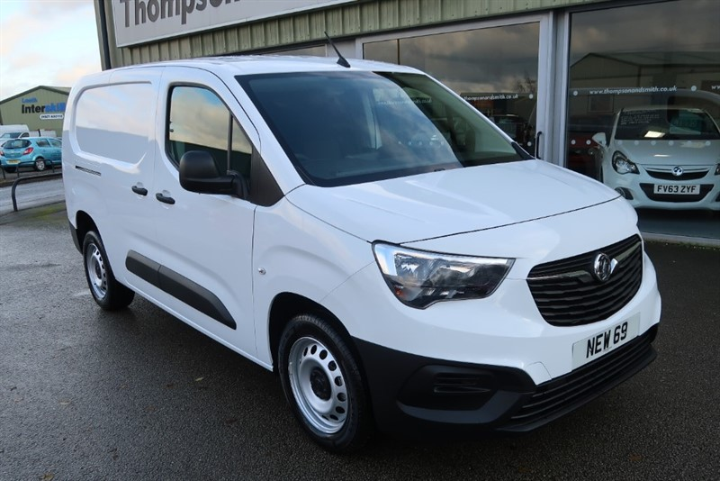 used Vauxhall Combo Cargo L2H1 2300 Edition 100PS BlueInjection S/S DELIVERY MILEAGE ONLY in louth