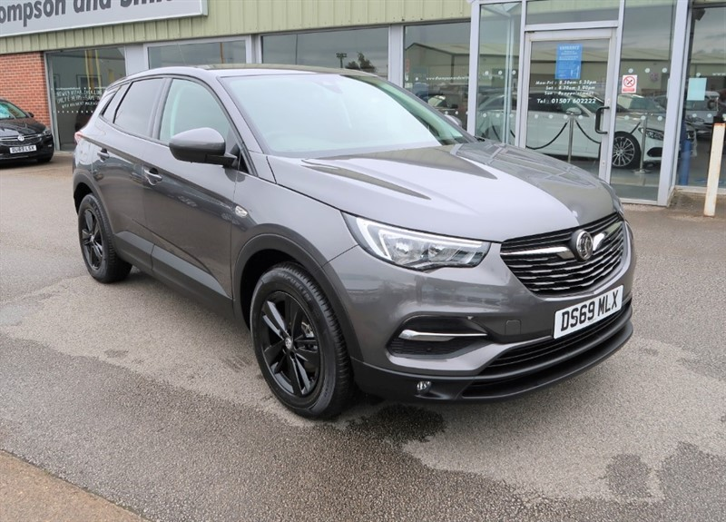 used Vauxhall Grandland X SE 1.2 Turbo (130PS) Start Stop 5dr SUV Black Pack in louth