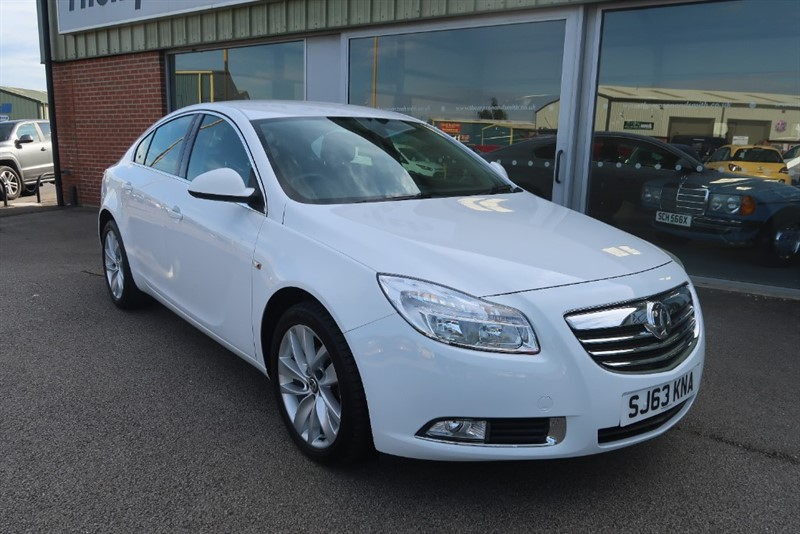 used Vauxhall Insignia 1.8 (140Ps) SRI 5dr, ONLY 19563 MILES ! ! in louth