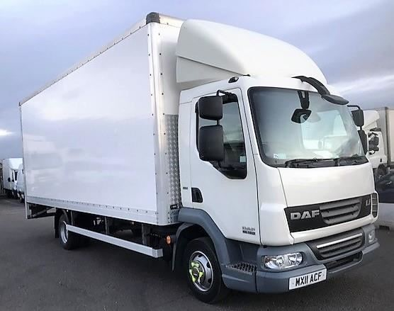 used DAF  LF FA 45.160 BOX EURO 5 7.5T lorry with taillift MANUAL in chelmsford-essex