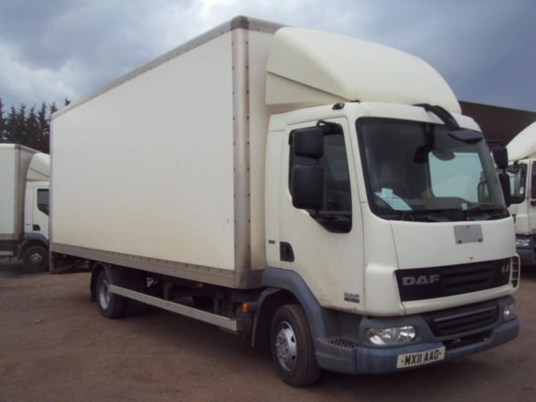 used DAF  LF FA 45.160 Euro 5 22ft Box Lorry with 1000kg taillift MANUAL in chelmsford-essex