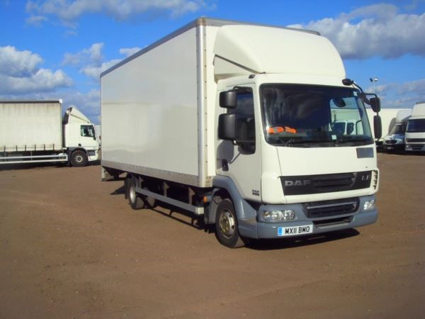 used DAF  LF FA 45.160 FB 7.5t 22f BOX LORRY EURO 5 WITH TAILLIFT MANUAL in chelmsford-essex
