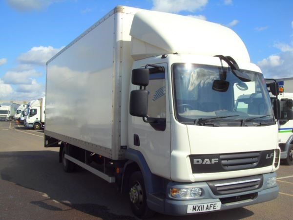 used DAF  LF FA 45.160 BOX EURO 5 7.5t 22ft lorry with 1000kg taillift MANUAL in chelmsford-essex