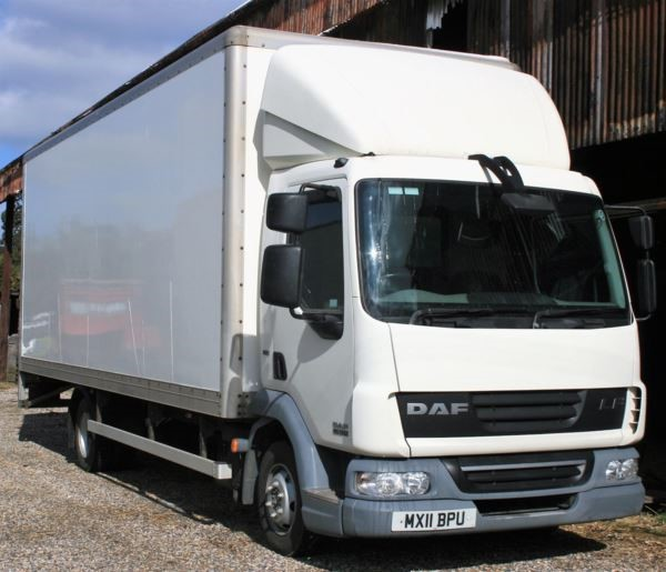 used DAF  LF FA 45.160 FB 22ft box 7.5t Euro 5 with taillift MANUAL in chelmsford-essex