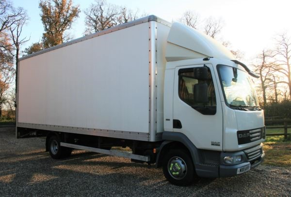 used DAF  LF FA 45.160 BOX 7.5T 22ft euro 5 wih taillift MANUAL in chelmsford-essex