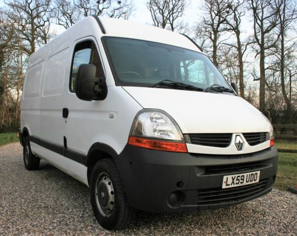 used Renault Master MM35dCi 150 Medium Roof Van in chelmsford-essex