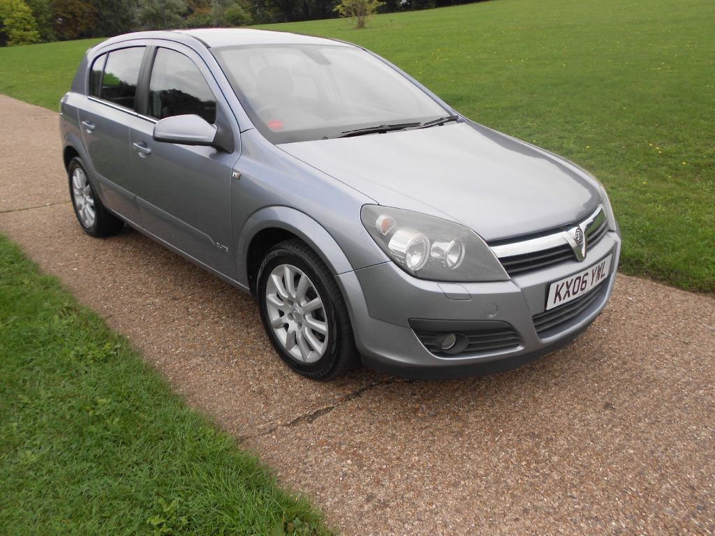 used silver vauxhall astra for sale hertfordshire. Black Bedroom Furniture Sets. Home Design Ideas