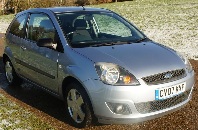 used Ford Fiesta ZETEC CLIMATE 16V in hemel-hempstead-hertfordshire
