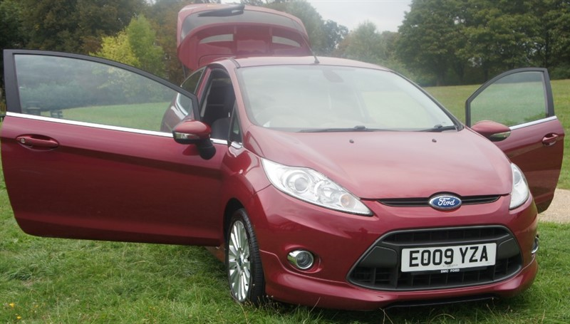 used Ford Fiesta TITANIUM in hemel-hempstead-hertfordshire