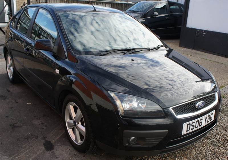 used Ford Focus ZETEC CLIMATE in hemel-hempstead-hertfordshire