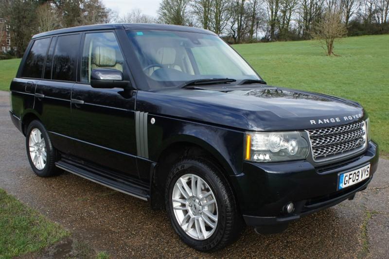 used Land Rover Range Rover TDV8 VOGUE in hemel-hempstead-hertfordshire