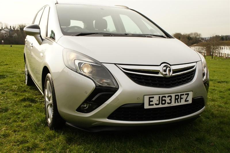 used Vauxhall Zafira Tourer EXCLUSIV CDTI in hemel-hempstead-hertfordshire