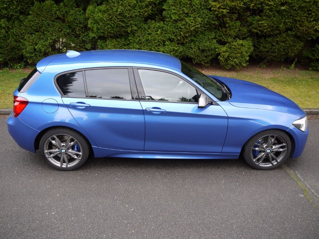 used estoril blue metallic bmw 1 series m for sale surrey. Black Bedroom Furniture Sets. Home Design Ideas