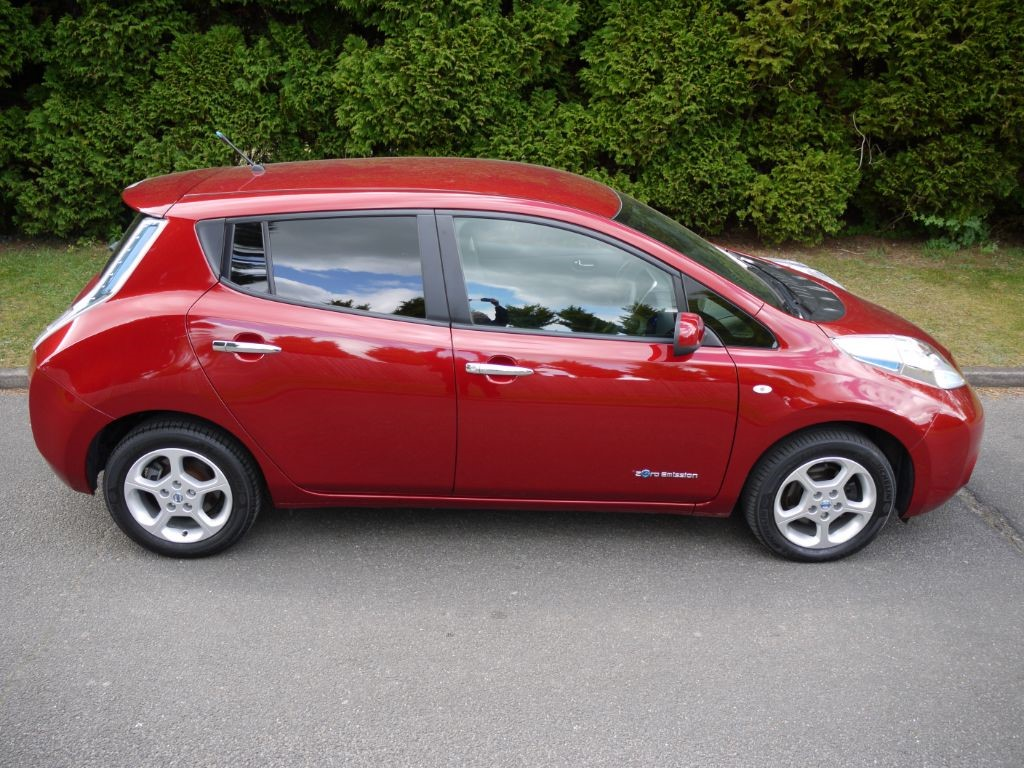 used new red metallic nissan leaf for sale surrey. Black Bedroom Furniture Sets. Home Design Ideas