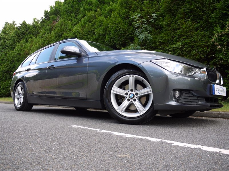 used BMW 320d SE TOURING in surrey