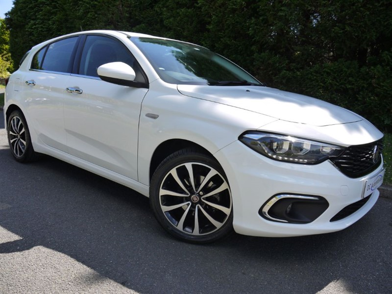 used Fiat Tipo T-JET LOUNGE in surrey