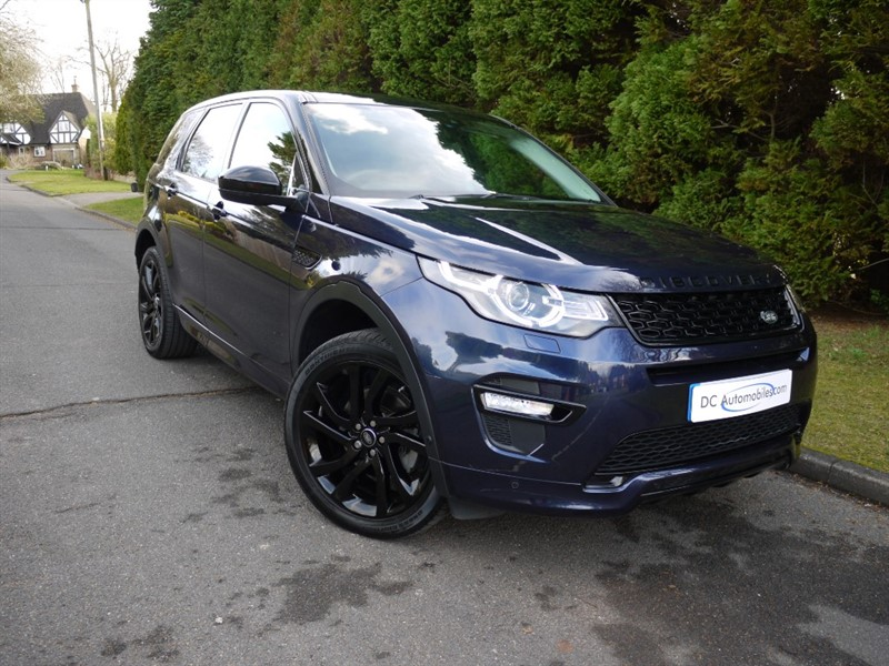 used Land Rover Discovery Sport TD4 HSE DYNAMIC LUX in surrey